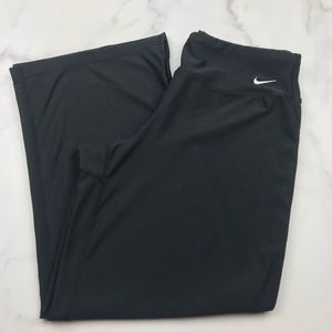 Nike Women's Crop Pants Size Small